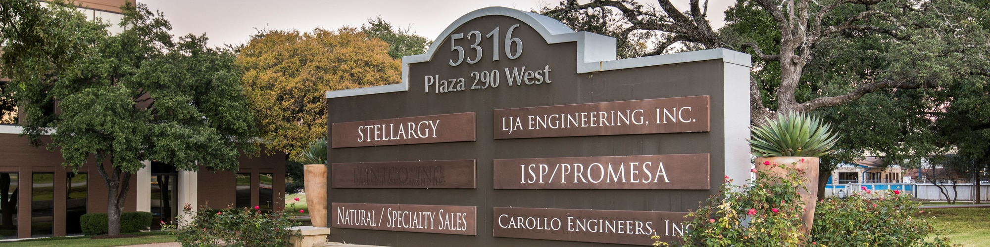 Plaza 290 Sign | 5316 Highway 290 in Austin, Texas