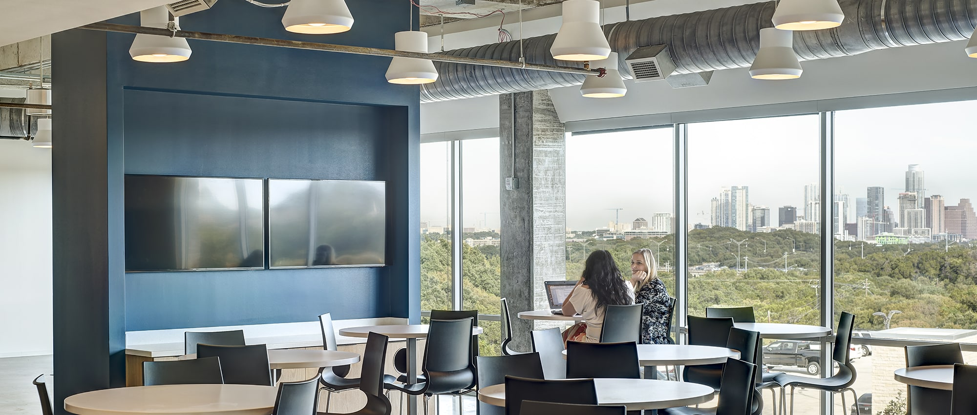 Sublease: Rollingwood Town Center Inside Office | 2500 Bee Caves Rd. in Austin, TX