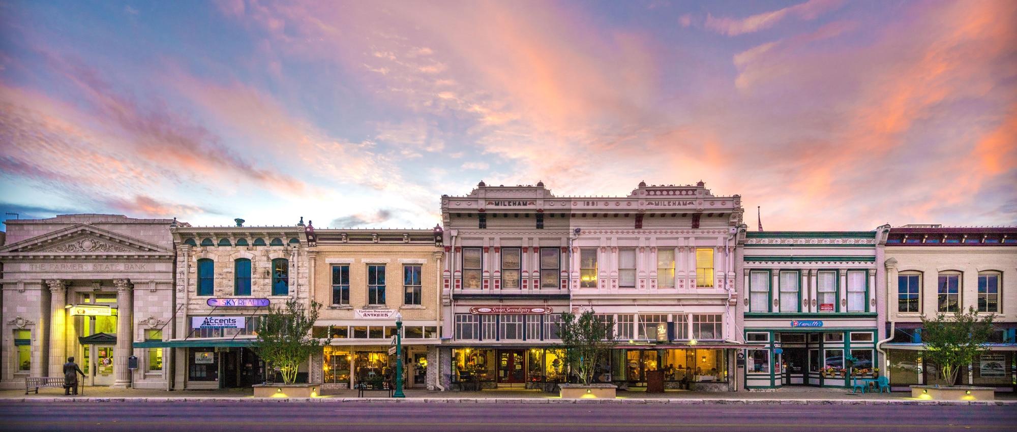 Austin-Avenue-Sunset-Georgetown-Texas