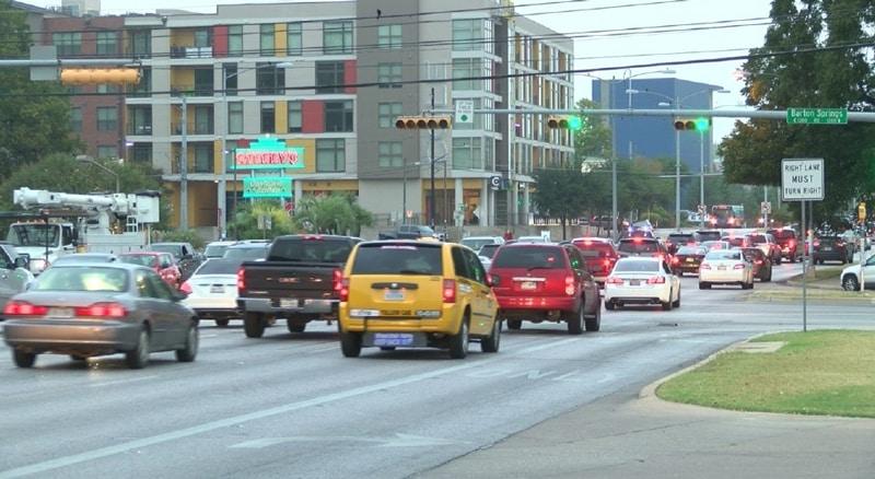 Traffic-on-South-Lamar-(photo-by-CBS-Austin)