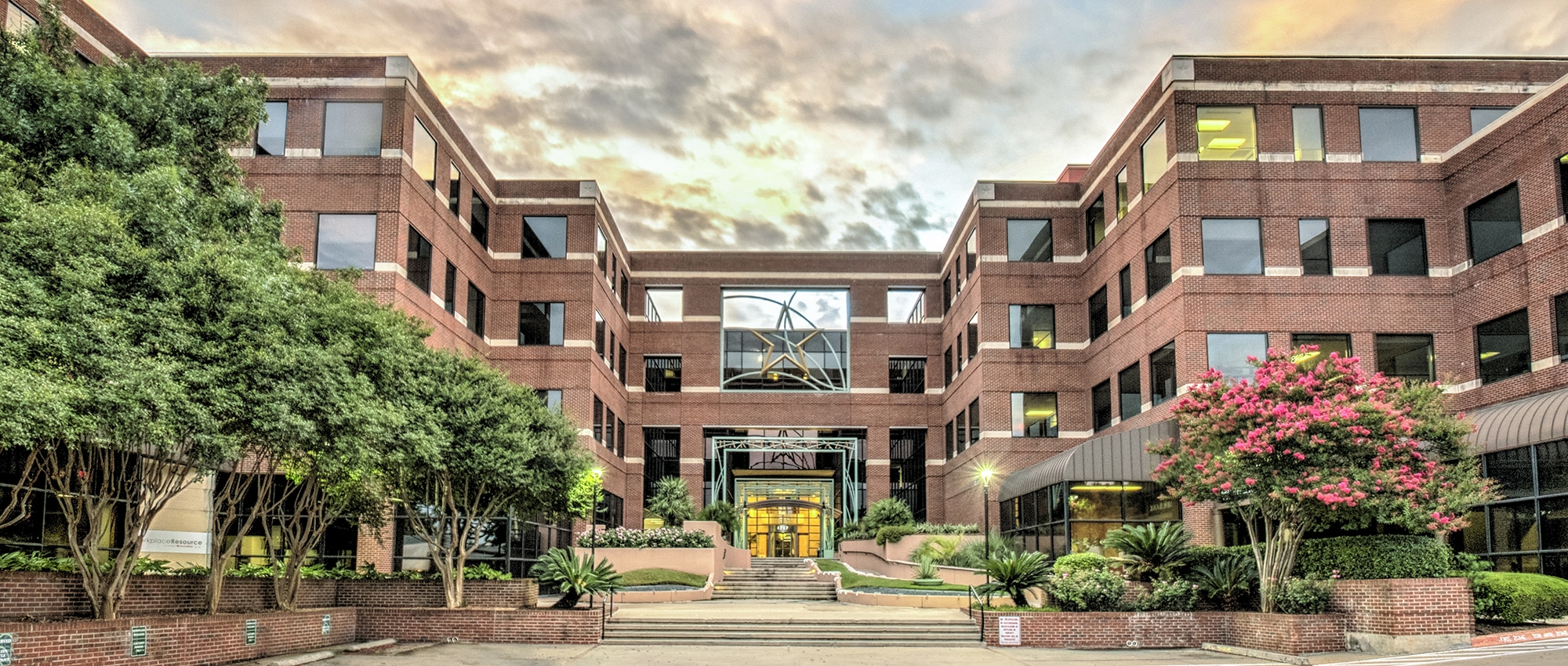 Best Project Leasing Firms in Austin, Texas | Hartland Plaza Leased by AQUILA Commercial