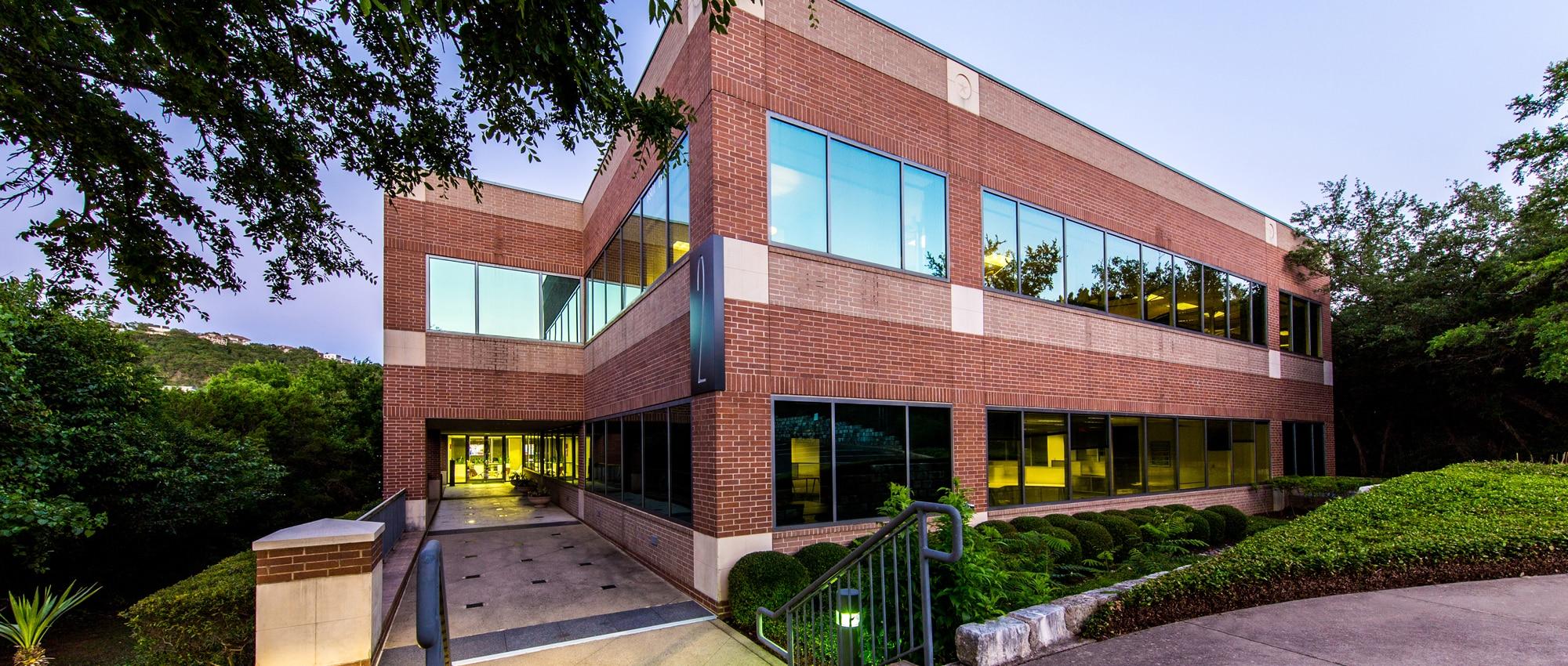 Lakewood Center I + II | 6801 N. Capital of Texas Hwy