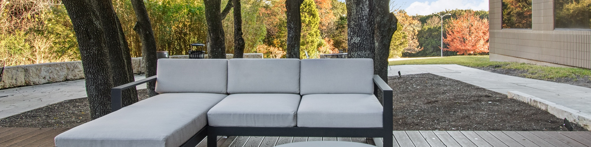 Pennybacker-Commons-OutdoorSeating