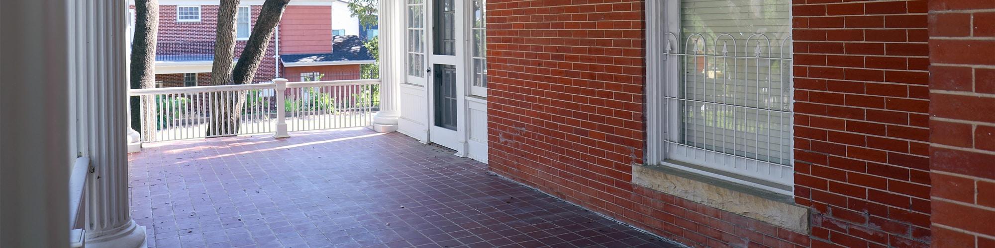 1402-West-Avenue-Porch